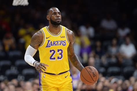 lebron james lakers debut    boring