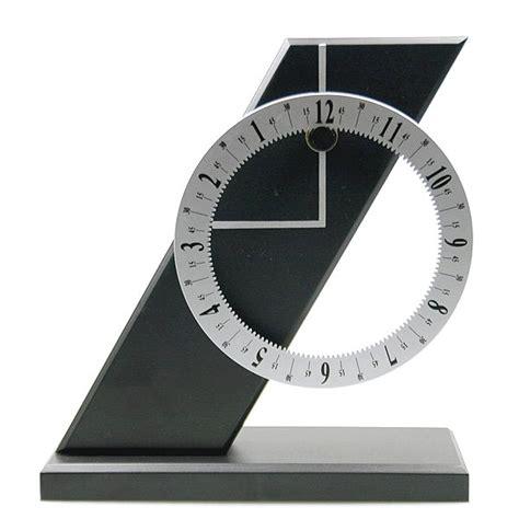 horloge sur le bureau cheapatleast com horloge de bureau pisa design