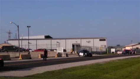 explosion at recycling plant in illinois kills 2 cbs news