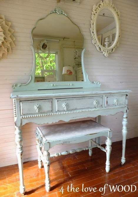 Shabby Chic Makeup Vanity Table - best 25 shabby chic vanity ideas on antique