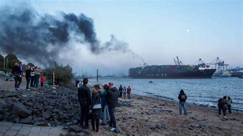 Stinkende Sachen Mit L by Hamburger Hafen Containerschiff St 246 223 T Stinkende