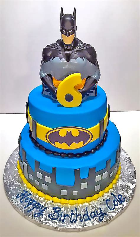 boys superhero birthday cakes hands  design cakes
