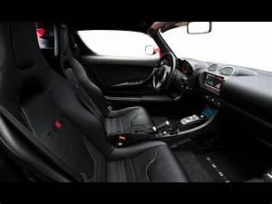 2011 Tesla Roadster 2.5 - Interior - 1280x960 - Wallpaper