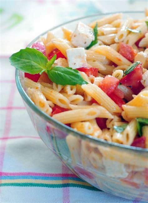 p 226 tes en salade tomate feta basilic paperblog