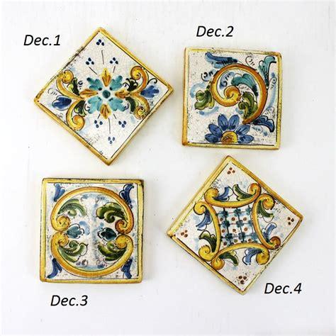 piastrelle dipinte a mano piastrelle ceramica caltagirone artigianali decoro giallo