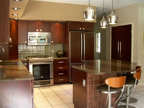 Saving Money With Kitchen Cabinet Refacing