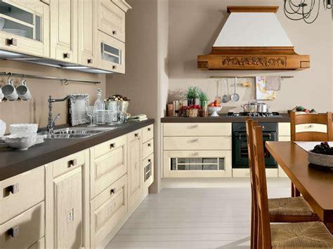 pomello cucina rinnovare una cucina in legno foto design mag