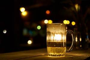 Brewery pub alcohol night drinking glass Photo | Free Download