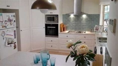 tiled benchtop kitchen stunning subway tile splashback and more kitchen 2780