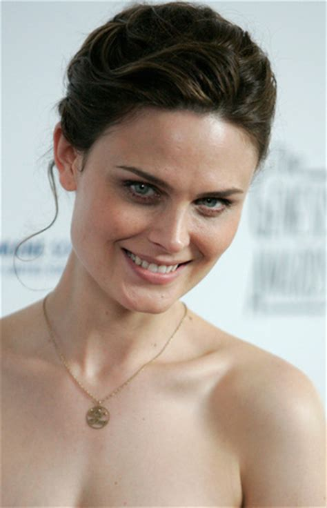Emily Deschanel wallpaper probably with a hot tub