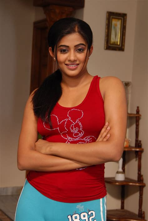 Priyamani Pictures Hot High Resolution Pictures