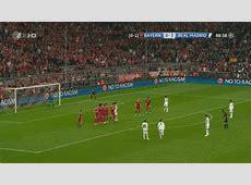 Cristiano Ronaldo's Free Kick goal vs Bayern Munich [GIF]