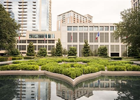 michael gabrielle wedding in downtown dallas