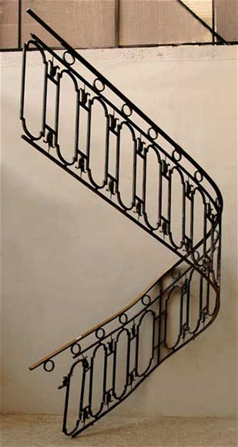 Rampe d escalier en fer forgé avec main courante en laiton
