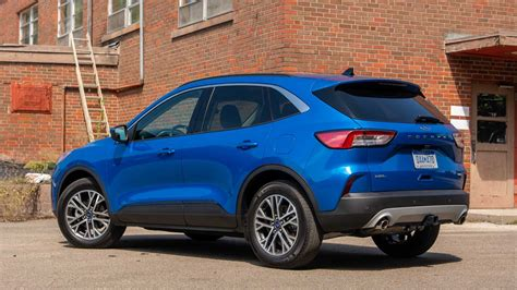 The 2021 ford escape was built for an active lifestyle and offers plenty of options for you to hit the road in your own individual style. Ford Escape Discount Slashes Up To $4,750 This November