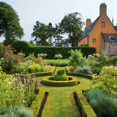 renaissance garden formal planting