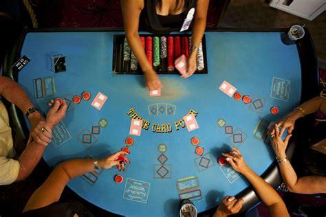 books  poker tournament strategy