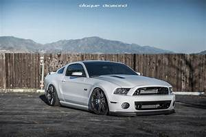 Ford Mustang S197 White Blaque Diamond BD-2 | Wheel Front