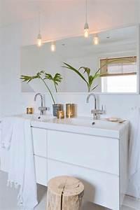 Ampoule Salle De Bain : la salle de bain scandinave en 40 photos inspirantes ~ Melissatoandfro.com Idées de Décoration