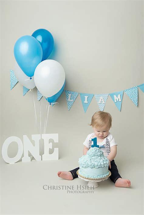 boy blue  white cake smash christine hsieh