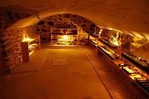 Amenagement Cave Voutée : r sultat de recherche d 39 images pour cave vout e en pierre wine cellar pinterest cave ~ Melissatoandfro.com Idées de Décoration