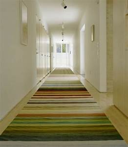 le tapis de couloir moderne 20 idees design With tapis couloir moderne