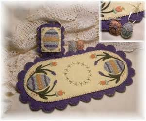 """Pattern """"Elegant Eggs"""" Table Runner, Hanging Pillow, Ornies and Pin"""