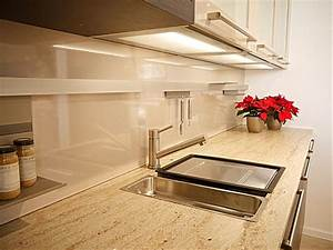 Küche Mit Granitarbeitsplatte : selektion d musterk che edle k che im holzdesign mit ~ Michelbontemps.com Haus und Dekorationen
