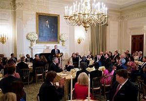 In Closed-Door Meeting, President Trump Tells Evangelicals ...