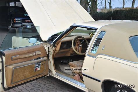 oldsmobile toronado car photo  specs