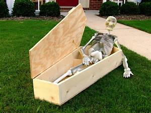 Halloween Decoration: How to Make a Miniature Coffin how