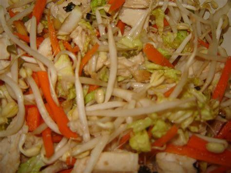 cuisiner le chou chinois en salade salade asiatique de cyril lignac un peu de rêve dans ma