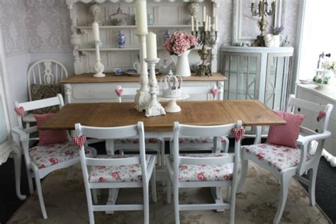 les meubles vintages comme un accent romantique