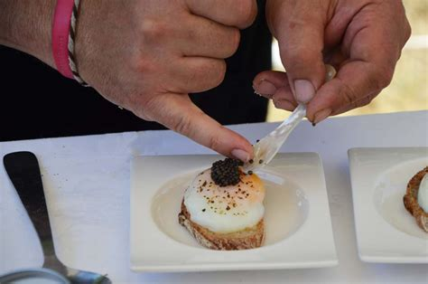 canapé oeuf a la découverte du caviar de neuvic