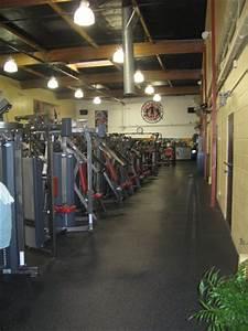 Gold's Gym Huntington Beach, CA-Gyms in Orange County