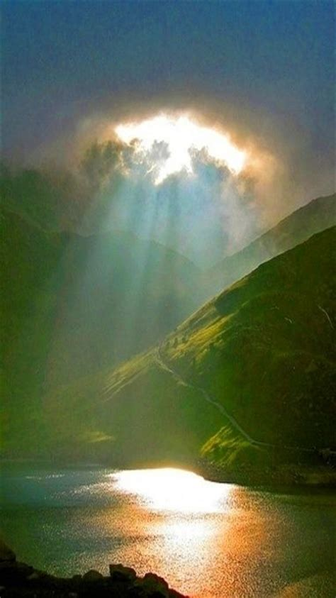 lights that look like sunlight heavenly light brillar pinterest beautiful sun and
