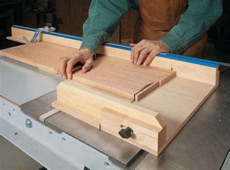 precision crosscut sled woodworking project woodsmith