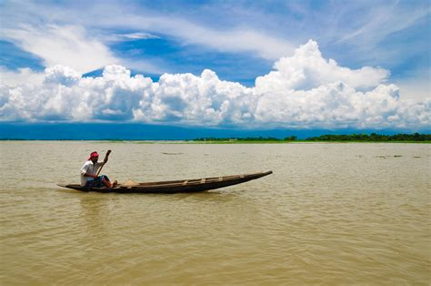 Small Boat In English by File A Boat Man With His Small Boat Jpg Wikimedia Commons