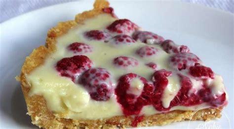 cuisiner sans cuisson tarte aux framboises et chocolat blanc sans cuisson la