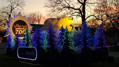 brookfield zoo in chicago has 1 million lights