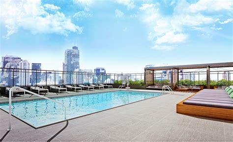 Chicago's Gold Coast Luxury Apartments