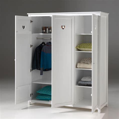 armoire de chambre design armoire de chambre blanche armoire 3 portes blanche et
