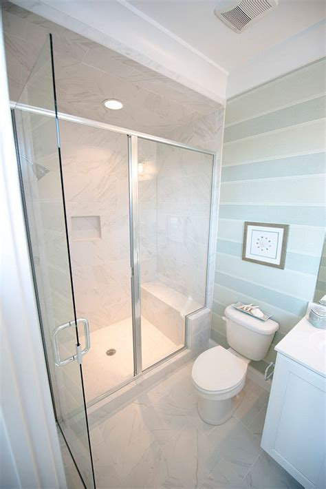 How To Design A Small Bathroom Layout by 1000 Ideas About Bathroom Layout On Small