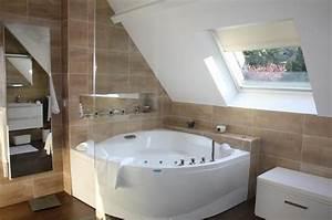 Baignoire A Bulle : 763452 salle de bain design et contemporaine baignoire d angle a 637 423 salle de ~ Melissatoandfro.com Idées de Décoration