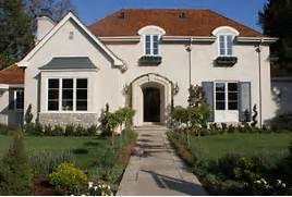 Exterior Window Color Schemes by Stucco Brown Roof Wooden Shutters Color Scheme Home Exterior Pinteres