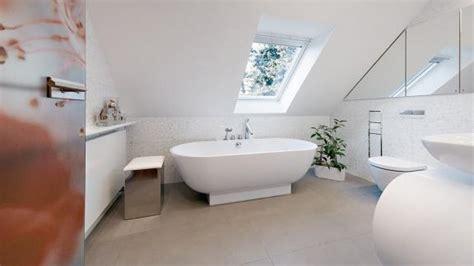 Kleines Badezimmer Dachschräge by Badgestaltung Kleines Bad Mit Dachschr 228 Ge