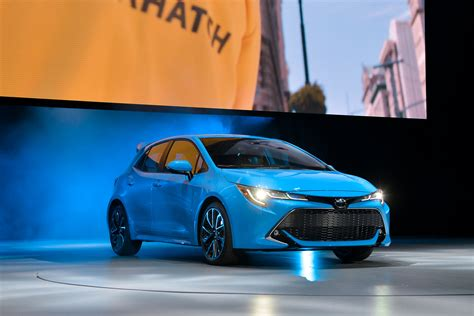 toyota corolla hatch debuts    york auto show