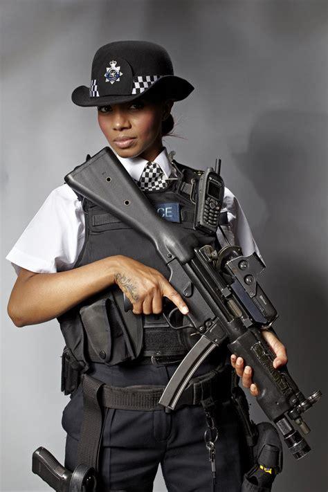 female gun   elite met unit sues yard  alleged