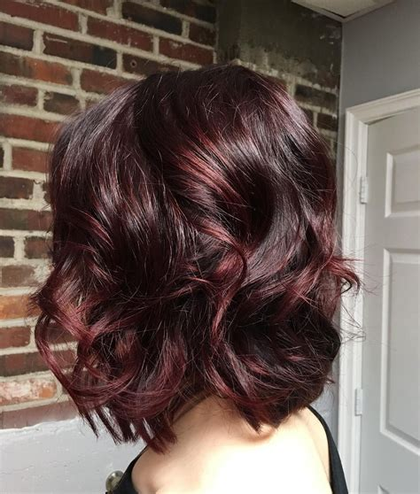 mulled wine hair color is perfect for winter highlights