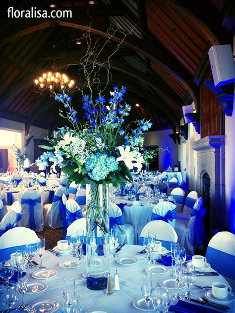Gorgeous blue wedding table centerpieces by floralisa com